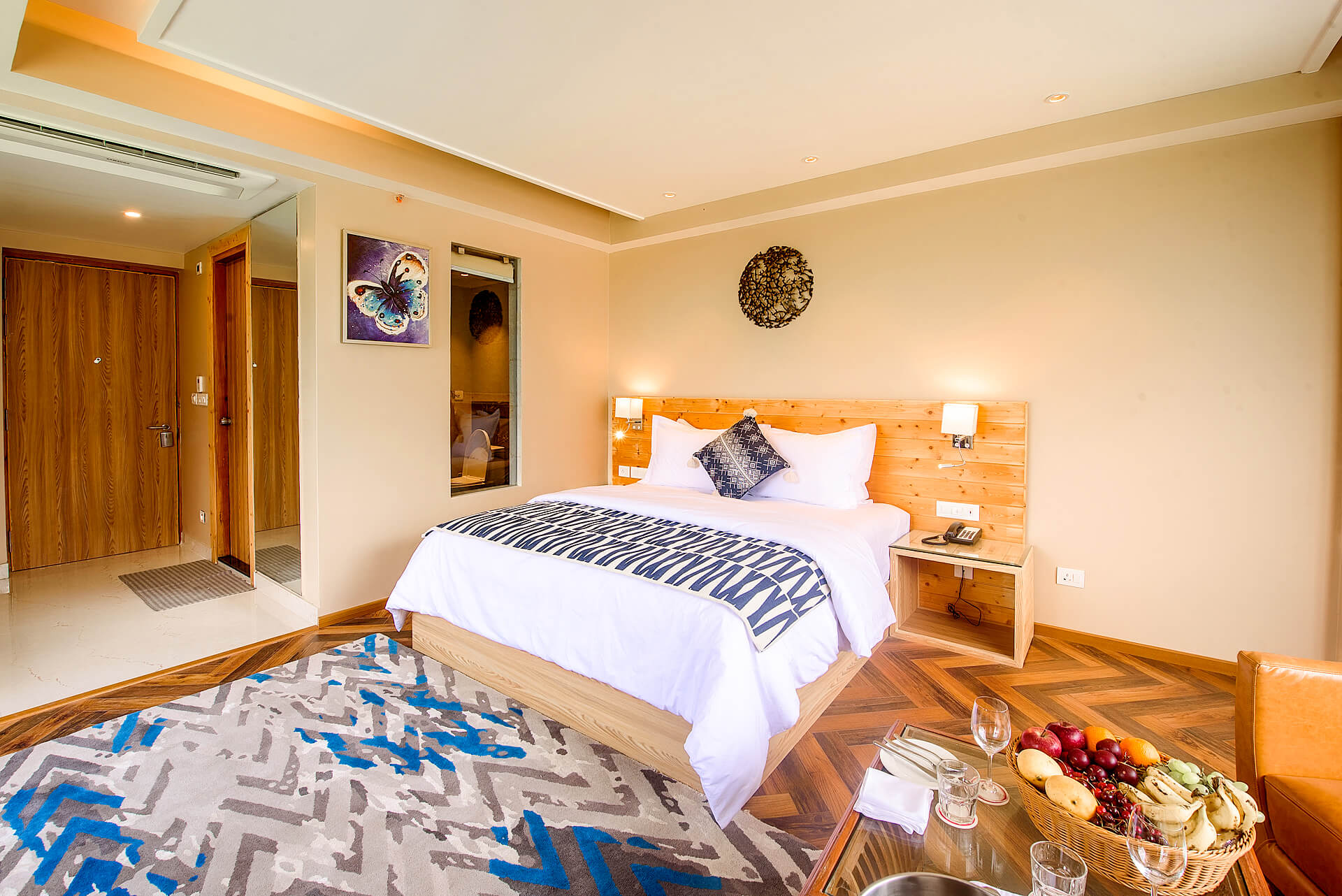 hotel in manali contact number